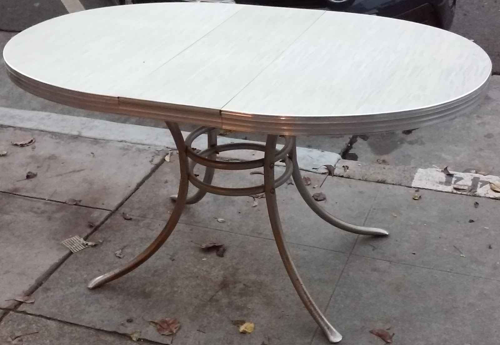 Uhuru furniture collectibles sold reduced vintage for Table formica