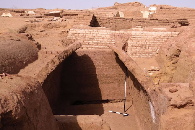 New Roman tombs discovered in Egypt's Dakhla Oasis