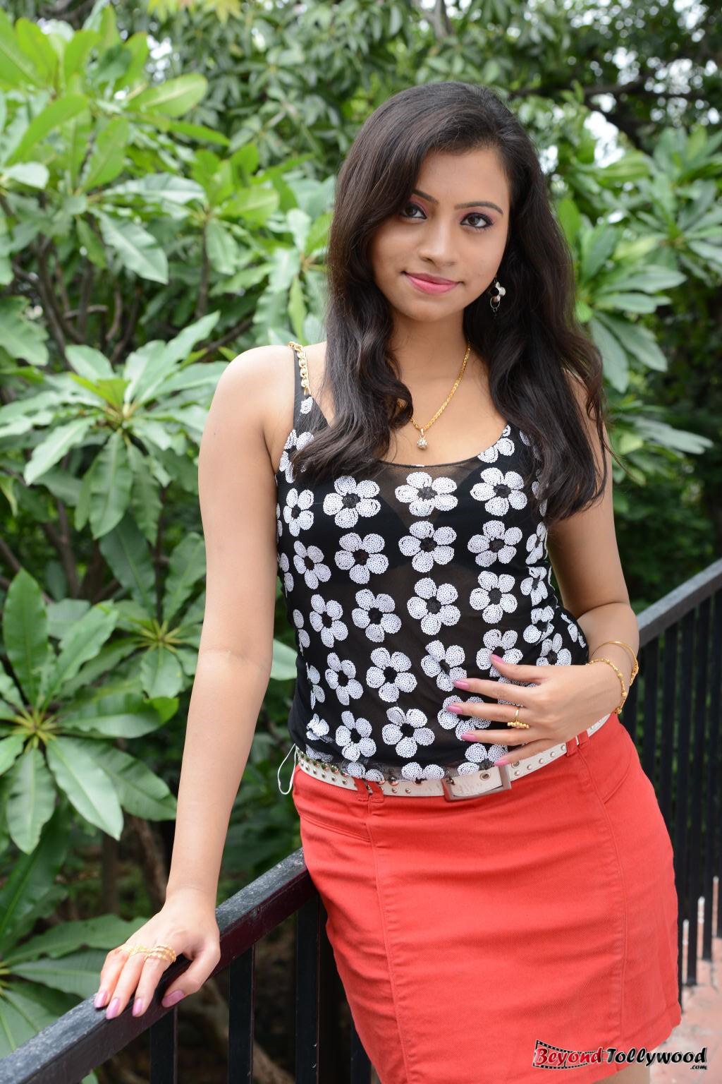 image galaxy: Priya Stills at Jaiho Movie Opening
