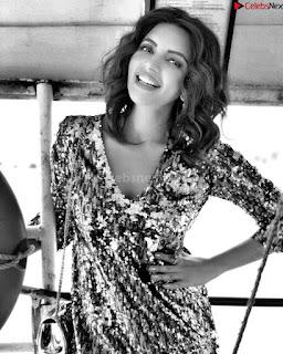 Shama Sikandar Beautiful Stunning Deep neck Gowns Bikini Inners 031.jpg