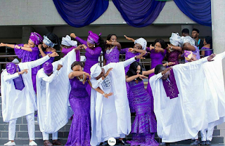 Photo of the day: Wedding Couple and friends dabbing movement