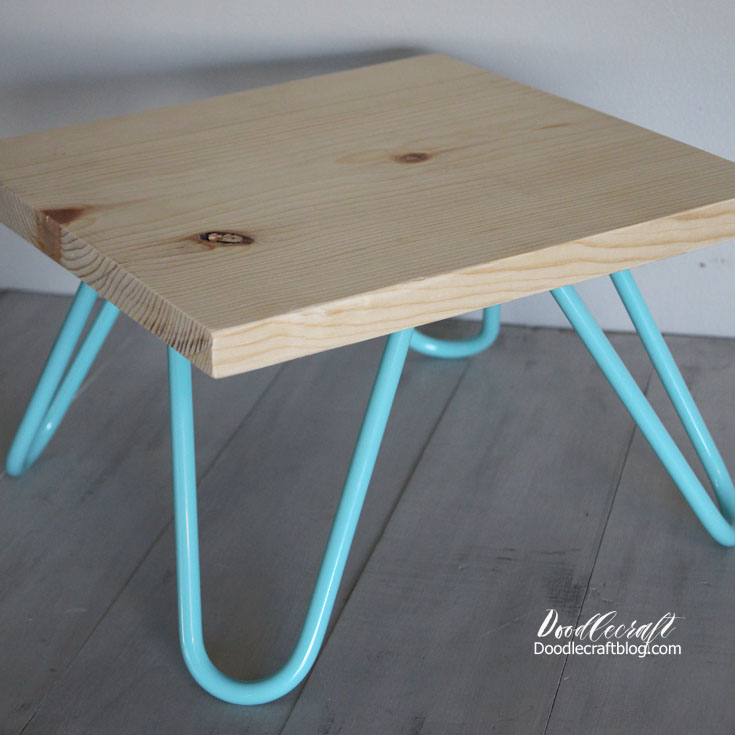 http://www.doodlecraftblog.com/2016/12/turquoise-hairpin-leg-cake-stand.html