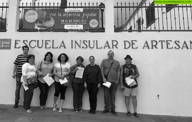 El Cabildo entrega nuevos carnés de artesanos que acreditan a sus titulares en 13 oficios del sector