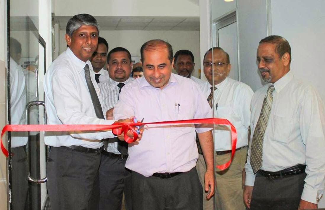Shafik Kassim, Managing Director, FitsAir opens the New Cargo Office with a ceremonial ribbon cutting along with Asanka Fernando, Head of Sales, Rohan Perera, Head of Commercial, Sajiva Suwaris – Head of Finance, .jpg