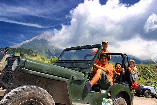 Lava Tour naik Jeep Willys bersama keluarga di Kaliadem, Sleman-Yogyakarta