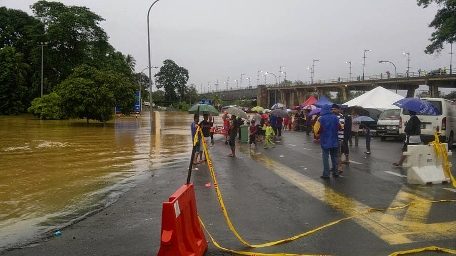 Flood at Temerloh Bridge