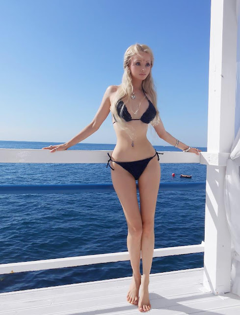 Real Barbie Doll Valeria Lukyanova bikini hot