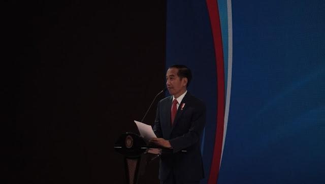 Tanggapi Pidato Prabowo, Jokowi: Ha.. Ha.. Memandang ke Depan itu Harus dengan Optimisme