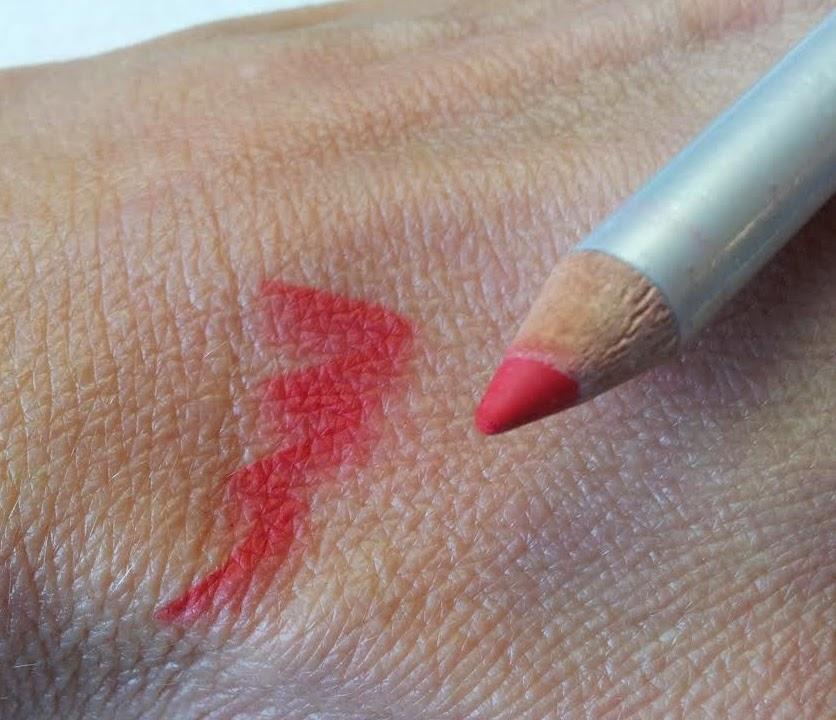 red lip liner
