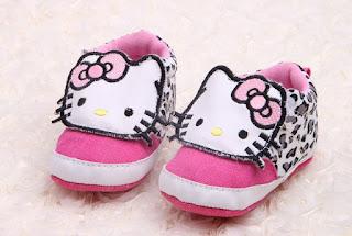 Gambar Sepatu Hello Kitty untuk Anak 1