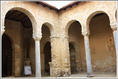 Zona de columnas y el Atrio Basílica de San Eufrasio Porec