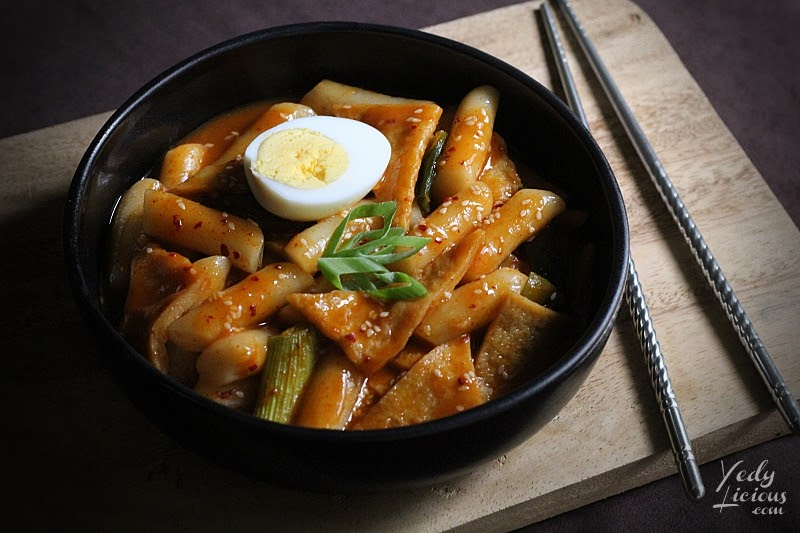 How To Make Tteokbokki Dukbokki Toppoki Korean Spicy Rice Cake Recipe, Popular Korean Street Food Snack Recipe, 떡볶이, Best Easy Tteokbokki Recipe, Tteokbokki Manila, Korean Food Recipe, Top Best YedyLicious Manila Food Blog, Yedy Calaguas