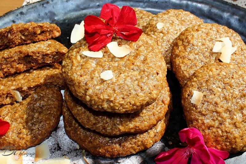 Ciągnące się ciasteczka sezamowo-kokosowe z syropem klonowym (bez mąki)