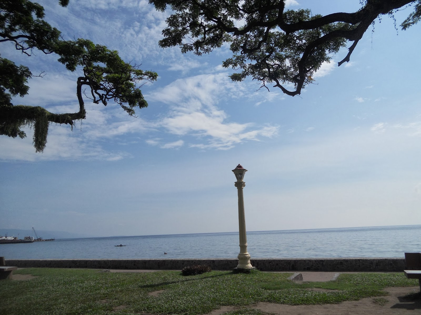 lampstand at the boulevard, Dumaguete City