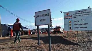 El juez Pablo Oritja, que lleva la causa del peligroso derrame ocurrido un año atrás, confirmó que recién ayer fue notificado del derrame en la mina Veladero por parte de la Policía Minera. Además, dijo que se notificó porque él se comunicó con ellos.