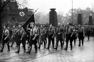 Hitler camino de Marienplatz , 1923