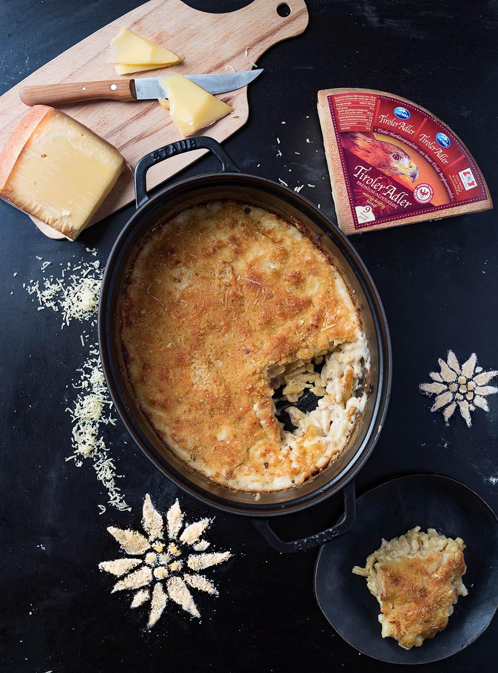 Mac and Cheese One Pot Pasta Bake mit Bergkäse aus Tirol