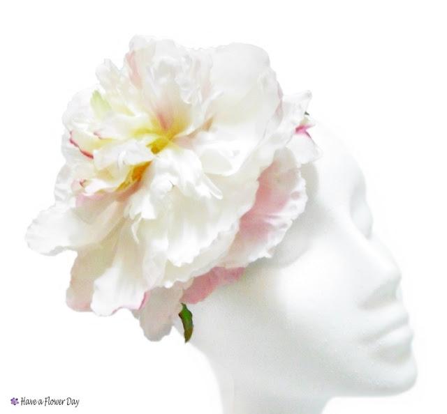 Tocado boda flor extra grande · Large flower bridal headpiece