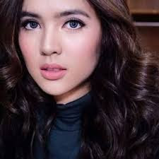 Sofia Andres Height - How Tall