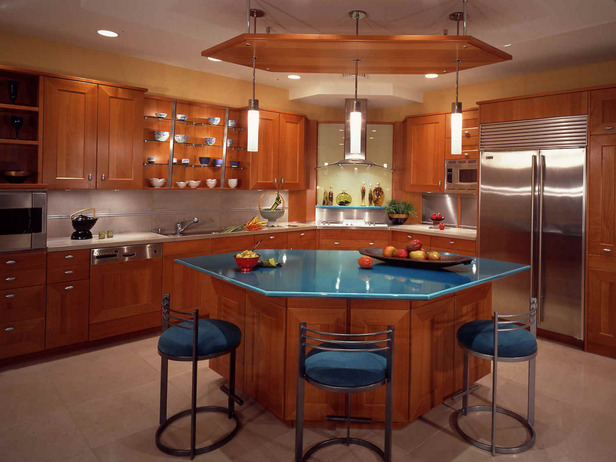 Various Shapes For Renovated Kitchen Interior Design ...