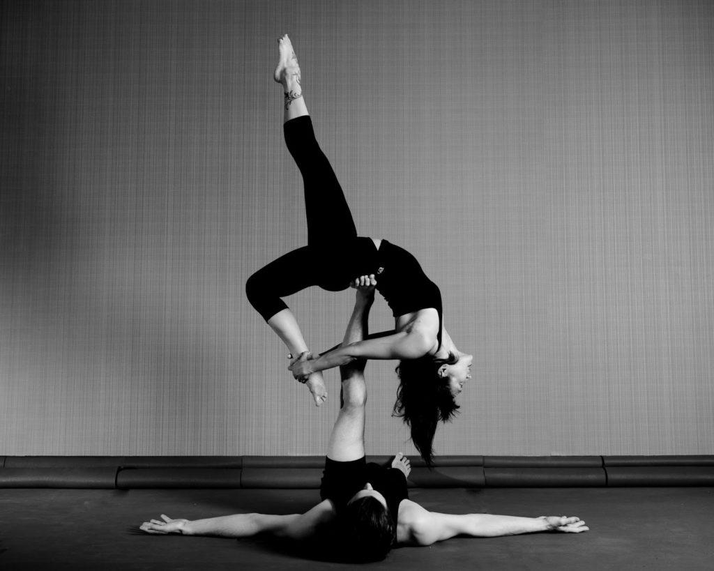 yoga, acro, conexión, ser, salud, equilibrio