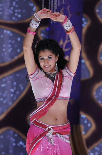Taapsee Deep Navel Show Photos