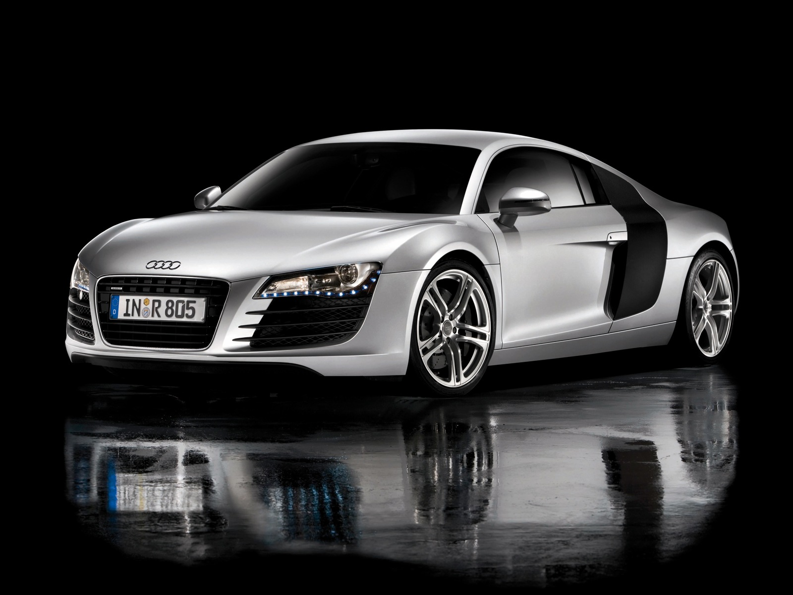 Cars Audi Roads R8 White V10 Wallpaper Allwallpaper In: World Of Cars: Audi R8 Images