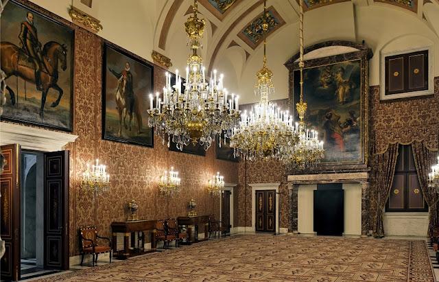 Informações sobre o Palácio Real de Amsterdã