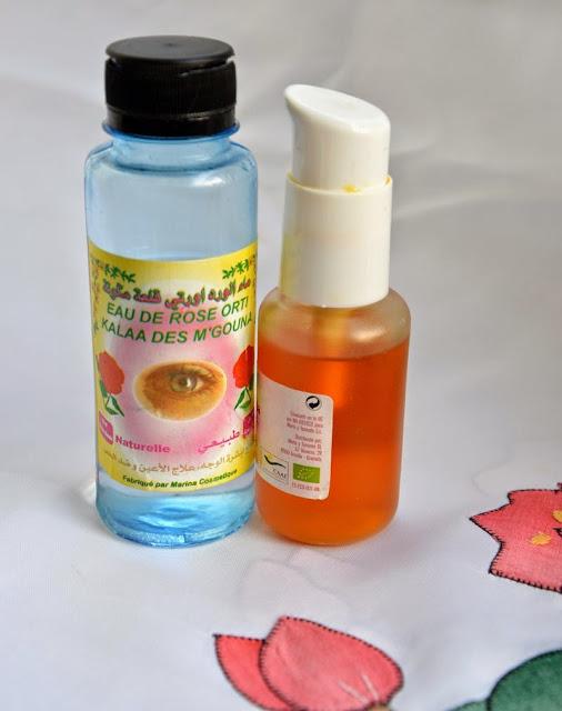 Z mojej kosmetyczki: woda różana z płatków róż z Maroka i olejek z owoców dzikiej róży z Chile