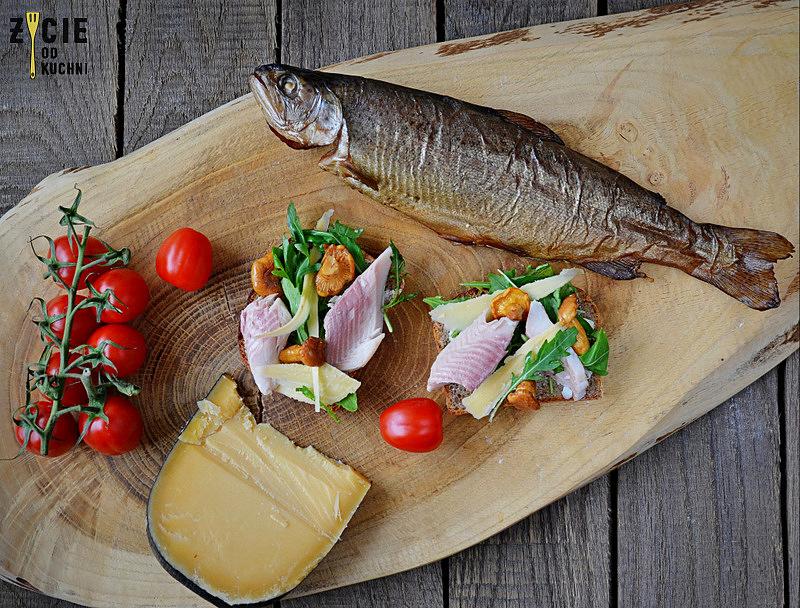 pstrag wedzony, karp wedzony, jak wedzic karpia, wedzenie pstraga, wedzenie karpia, wedzenie makreli, domowe wedzenie, jak wedzic ryby, sposoby wedzenia ryb, nasalanie wedzonych ryb, solenie na sucho, solenie na mokro, blog kulinarny, zycie od kuchni, blog zycie od kuchni