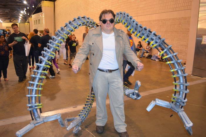 Doctor Octopus poses at Wizard World Philly Comic Con