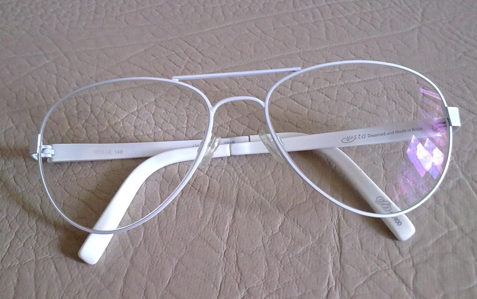 79bfc42b2 Um mês antes do exame, fui procurar algum óculos de grau que fosse bem  diferente e resolvi ir na Chilli Beans já me apaixonei por esse óculos de  grau:
