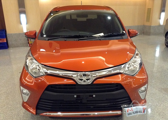 toyota calya G orange