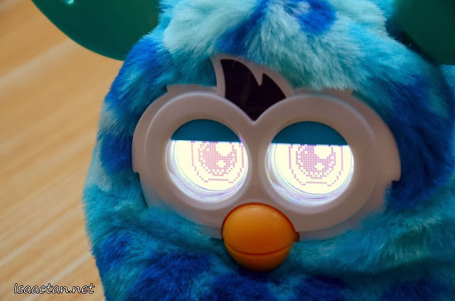 Furby's eyes are full of emotions, depicting what mood it is in, moving all the time