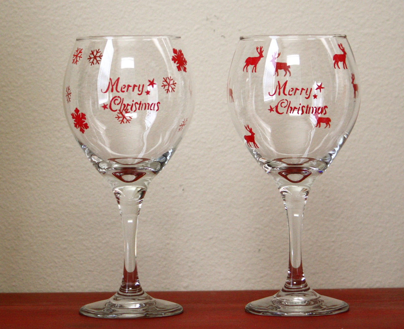 Holiday Wine Glass Craft Ideas