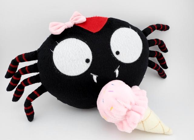 Esta arañita no te hará gritar Guyuminos de peluche, araña negra con rojo