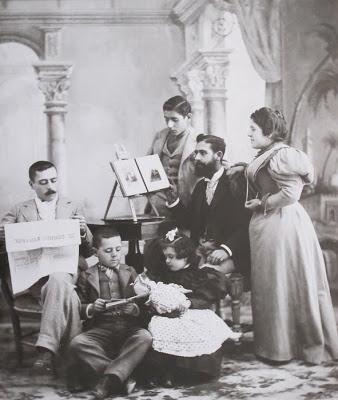Los hijos de Juan Ibáñez Abad. Autor: Juan Ibáñez Abad. Yecla, 1895