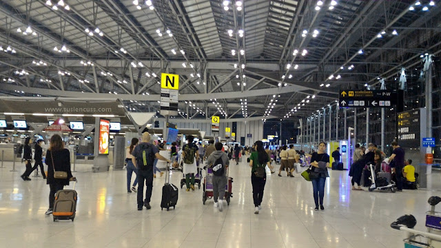 bandara suvarnabhumi bangkok thailand, colokan listrik di thailand, mushola di suvarnabhumi airport, toilet bandara suvarnabhumi