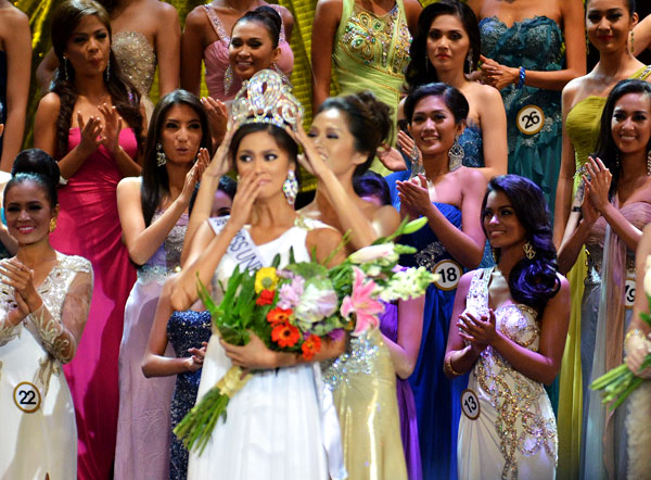 1st Miss Universe >> SASHES AND TIARAS.....Binibining Pilipinas 2013 Ariella Arida: Winner, Gowns | Nick Verreos