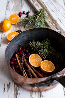 saucepan with Christmas scented potpourri