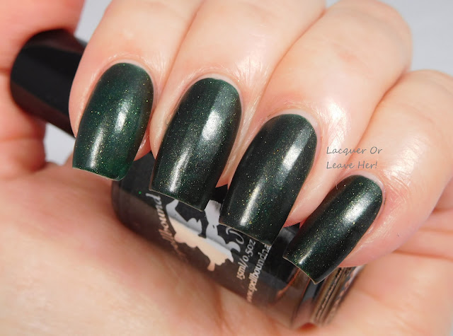 Spellbound Nails Holly Jolly