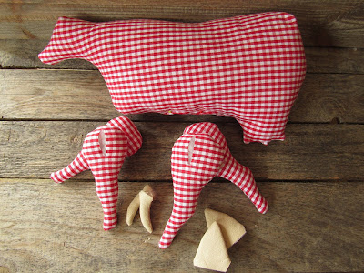 fabric cow gingham pattern