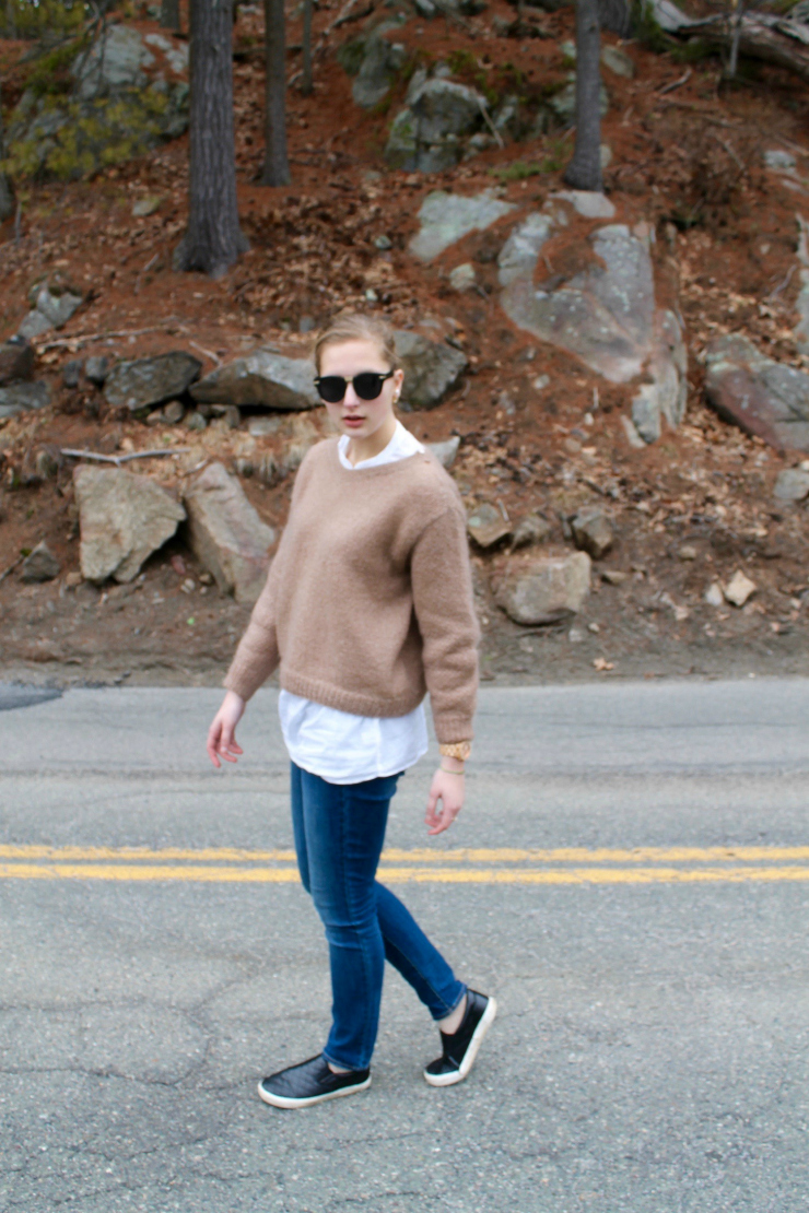 Nude lipstick, brown loose sweater and skinny jeans for a cute fall or winter look