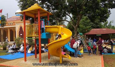 playground anak di taman herbal insani depok