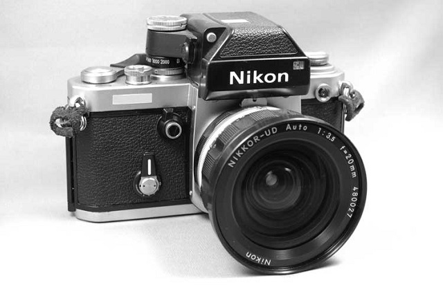Nikon F2 Photomic SB (1976 to 1977)