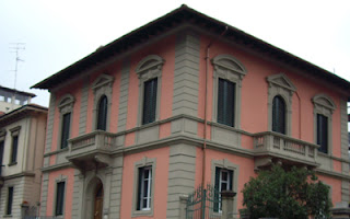 The Institute of Psychosynthesis has its headquarters on the northern outside of Florence