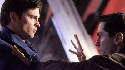 Smallville - Season 8 Episode 20: Beast
