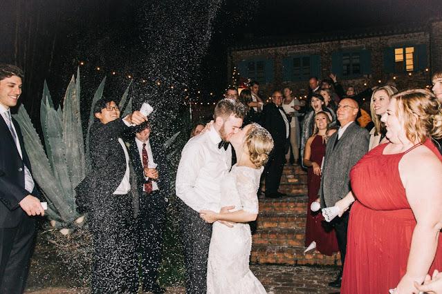 bride and groom end of night sendoff