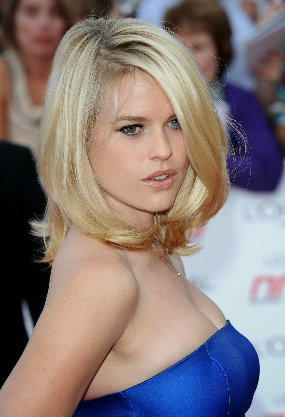 Latest Celebrity Photos Alice Eve Sexy And Hot Wallpapers-2778