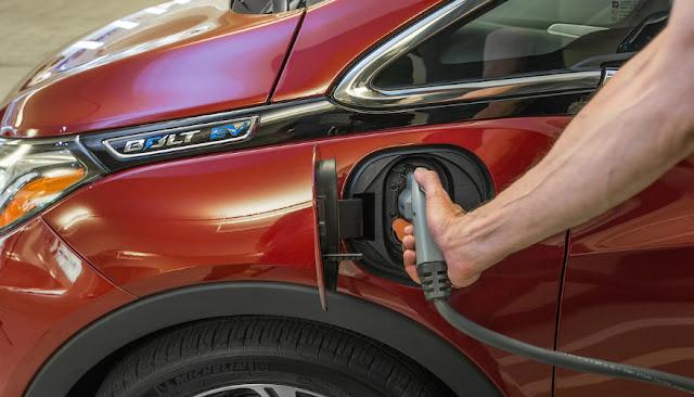 Новая технология перезарядки EV позволяет электронам течь, как бензин
